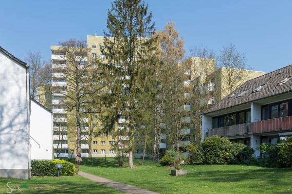 """der """"wunderschöne"""" Lefferspark von hinten (Holbeinstraße) Aus Villa wurde Hochhaus."""