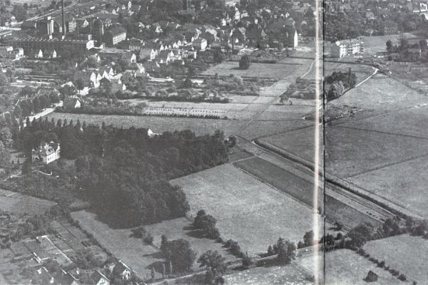 Luftbild von ca. 1930 - links Bildmitte die weiße Leffers-Villa
