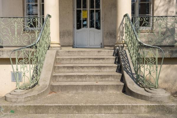 Treppe mit Geländer 2019