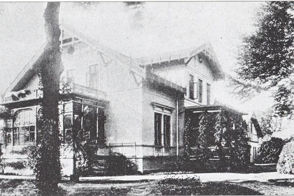 Villa noch im Schweizer Stil und mit Wintergarten